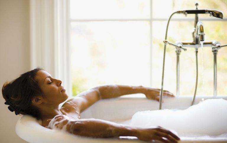 Тёплая ванна для снятия напряжения